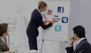 مشاور رسانه اجتماعی